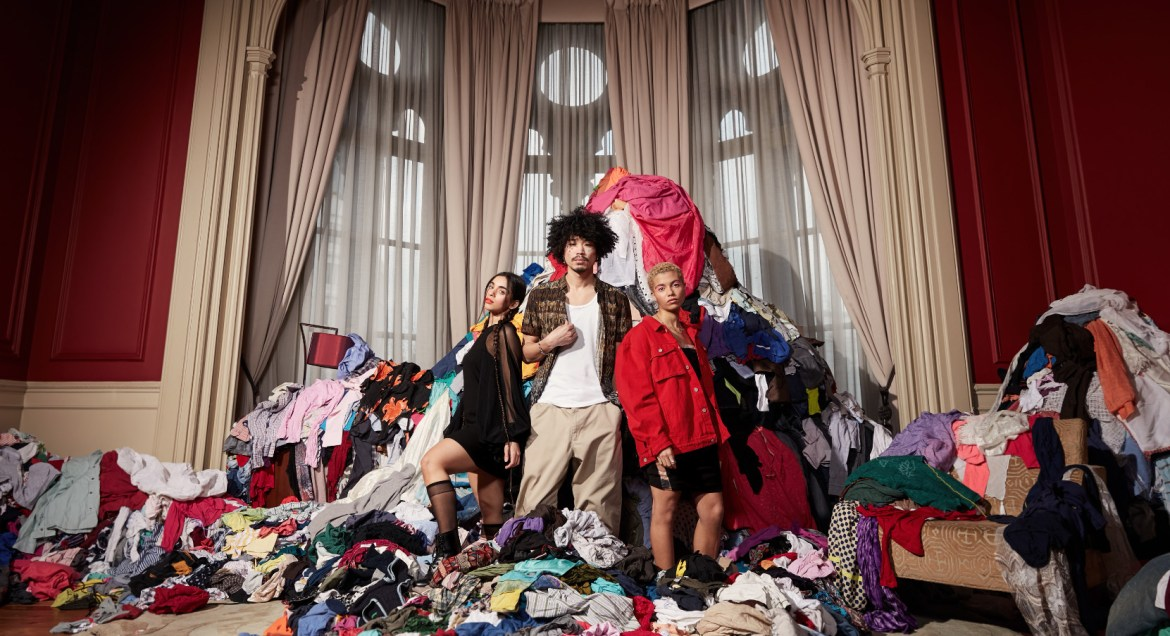 3.5 tonnes of clothing thrown away every five minutes in the uk (2)