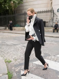 Chanel fall winter 202122 haute couture streetstyle (14)