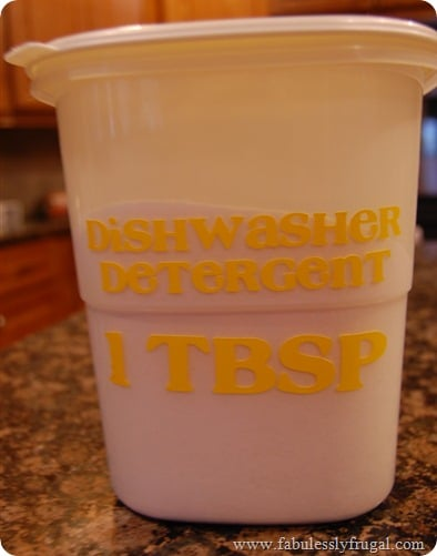 Labeling the side of the homemade dishwasher soap