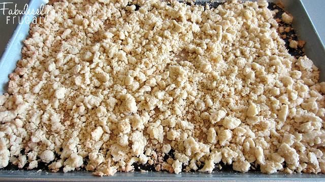 chicken pot pie crumble delicious topping