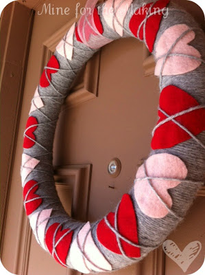 Heart argyle Valentine's wreath