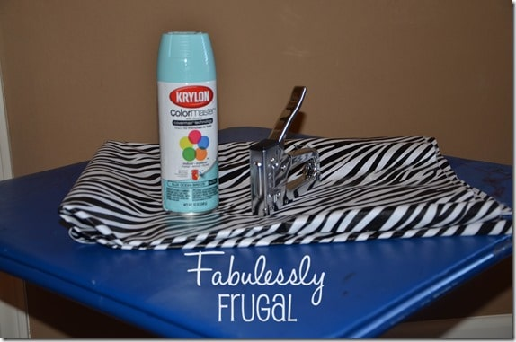 Folding table makeover supplies