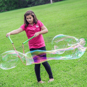 Amazon: 3-Piece Set Giant Bubble Wands Kit $14.95 (Reg. $17.99)