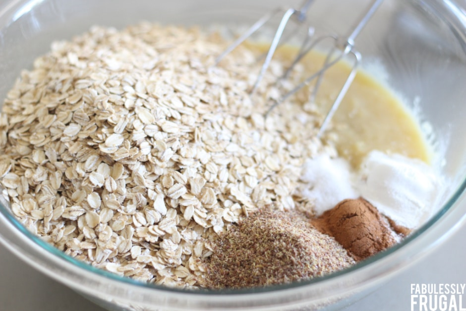 Oatmeal muffin ingredients