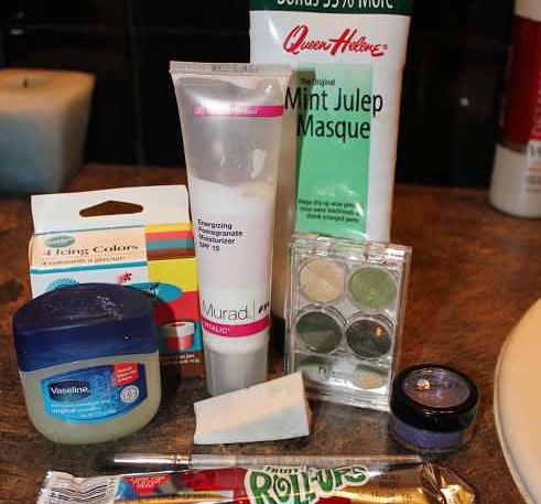 DIY zombie makeup ingredients