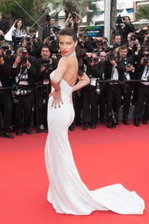 Adriana Lima arriving on the red carpet of Nelyubov screening held at the Palais Des Festivals in Cannes, France on May 18, 2017 as part of the 70th Cannes Film Festival. Photo by Nicolas Genin/ABACAPRESS.COM