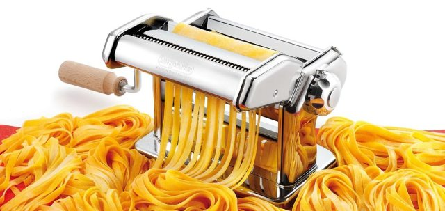 CucinaPro Imperia with the fettuccine attachment while cutting