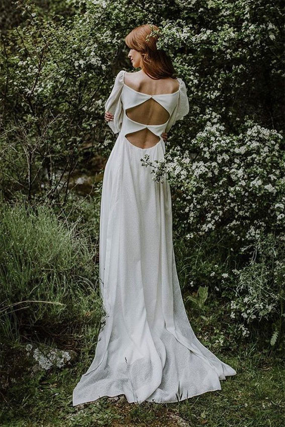 Boho wedding dress for a laid back bride - boho wedding gown #weddingdress #weddinggown