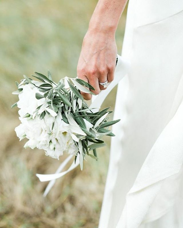 white and green wedding bouquet , wedding bouquet