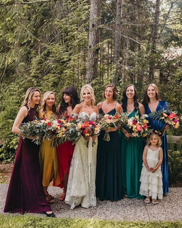 bridesmaid trends 2020 that are fabulous 1, bridesmaid dresses, bridesmaid dress trends 2020, bridesmaid dresses 2020, bridesmaid dress colors, mismatched bridesmaid dresses 2020 #bridesmaiddresses