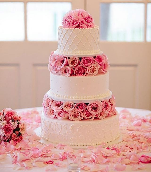 Beautiful Wedding Cake Trends For 2020 - 17, wedding cakes, wedding cake ideas, wedding cake, wedding cake trends, wedding cake trends 2020, spring wedding cake , wedding cake designs, wedding cake pictures #weddingcakes