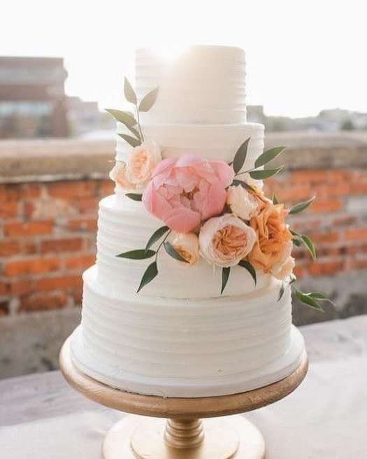Beautiful Wedding Cake Trends For 2020 - 8, wedding cakes, wedding cake ideas, wedding cake, wedding cake trends, wedding cake trends 2020, spring wedding cake , wedding cake designs, wedding cake pictures #weddingcakes