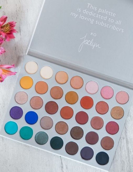 15 The Perfect eyeshadow palettes for every eye color - eyeshadow palette, eyeshadow palette for blue eye, eyeshadow palette for brown eye, eyeshadow palette for green eye, eyeshadow palette for every eye color #eyeshadowpalette