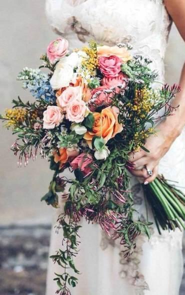15 pretty wedding bouquet trends 2020, wedding bouquets, wedding flowers, bridal bouquets, wedding bouquet trends, wedding bouquets 2020, wedding bouquet trends 2020, wedding bouquet ideas #bouquets #weddingbouquets