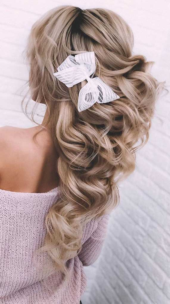 best prom hairstyles #promhairstyles #bestpromhairstyles prom hairstyles 2020, elegant prom hairstyles, elegant updo, half up prom hairstyles , prom hairstyles updo, best updo 2020