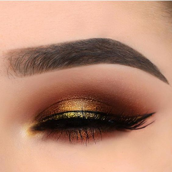 Gorgeous rose gold metallic eye makeup #eyemakeup