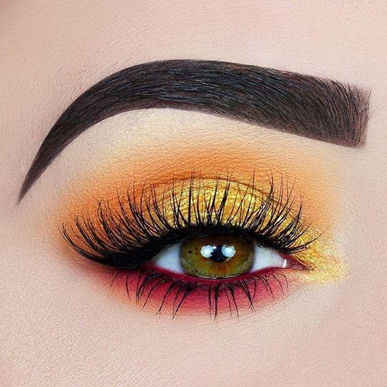 Gorgeous gold metallic eye makeup #eyemakeup gold eye makeup, eye makeup