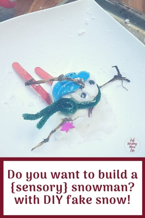 Do you want to Build a Sensory Snowman with fake snow? | Fab Working Mom Life #sensory #snowman #frozen #sensoryactivity #sensorycraft