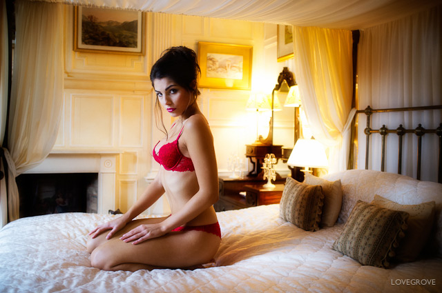 Simply Boudoir Training Video by Damien Lovegrove
