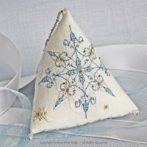 Frosty Humbug - Faby Reilly Designs