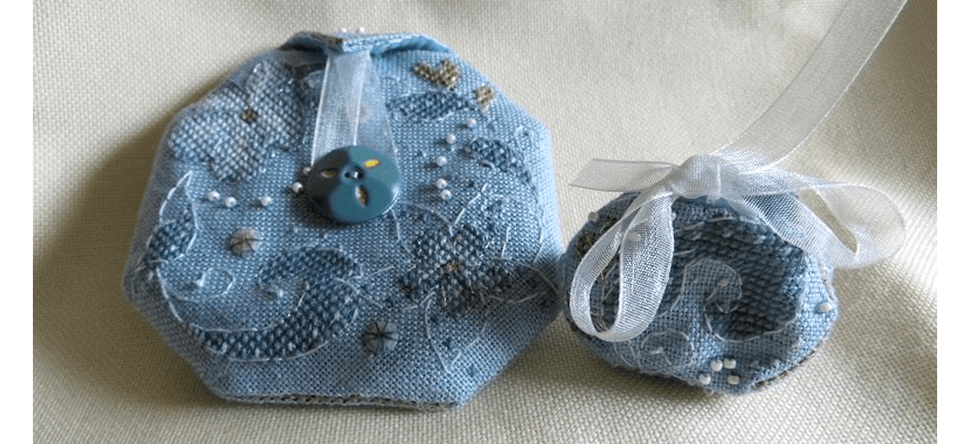 Flora Pouch - stitched by Ina