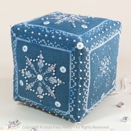 Cube Let it Snow 01 – Faby Reilly Designs