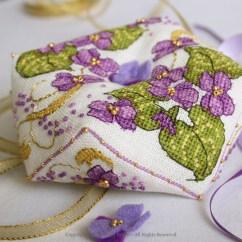 Violet Biscornu