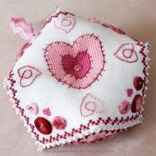 Hearts Biscornu - PFI02