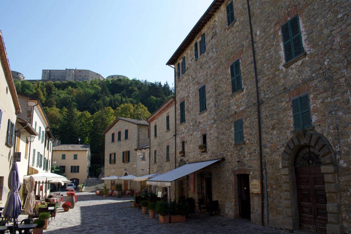 Il centro di San Leo e il Forte.