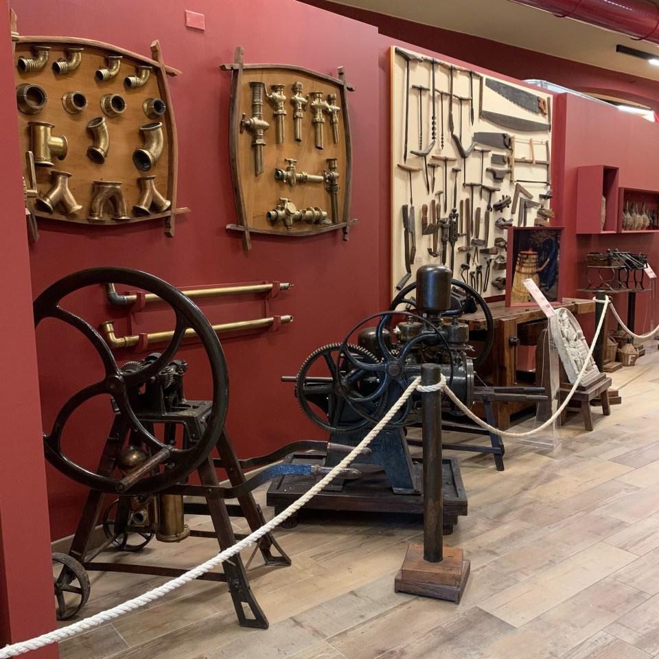 Museo del Vino: Imbottigliatrici d'epoca.