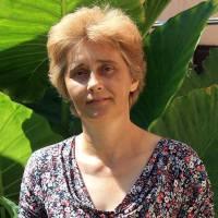 CILIEGIE AMARE, STORIA DI UNA BADANTE CHE VIVEVA IN ITALIA