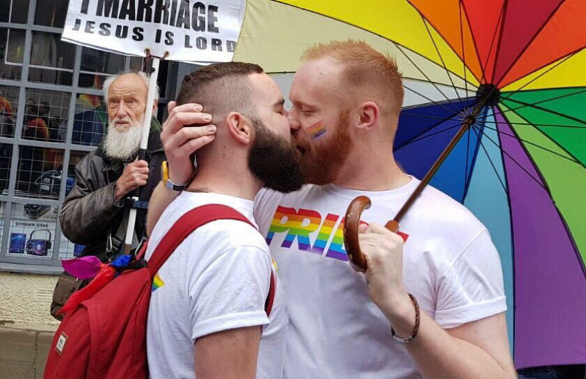 Gay Pride Kiss
