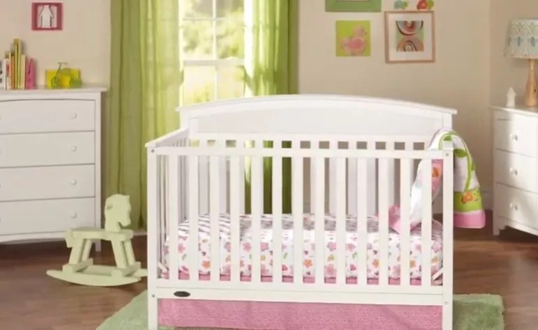 How Cribs are better than Playpens