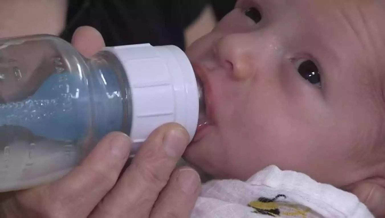 Newborn Feeding Time