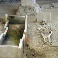 ЕПОХAЛНО ОТКРИЋЕ: У Виминацијуму пронађени из 3.века покојници заливени у малтеру