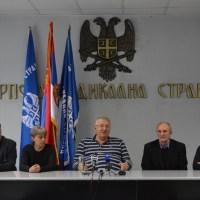 """Шешељ сматра да (није Вучић, већ) је """"Николић лично осмислио провокацију са возом"""""""