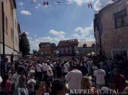 30 хиљада Хрвата је стигло да запјева на Купресу.