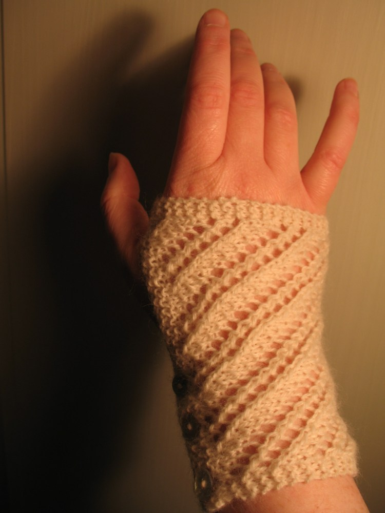 Just For You Mitts Tutorial Pattern (1/4)