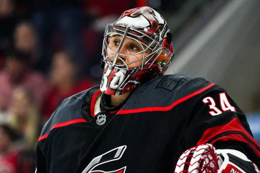 Maple Leafs sign Petr Mrazek to 3-year, $11.4 million contract