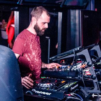 DJ-Robert-Long-FacesNV-Reno-Nightclub_small