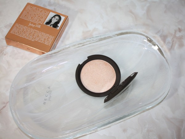 becca-jaclynhill-champagnepop-review-swatch-002