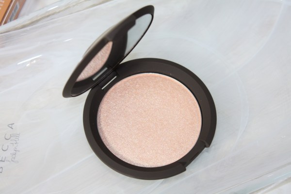 becca-jaclynhill-champagnepop-review-swatch-003