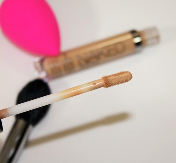 UrbanDecay-Naked-Skin-Concealer-Review-UD-Naked-Skin-Weightless-Complete-Coverage-Concealer-003