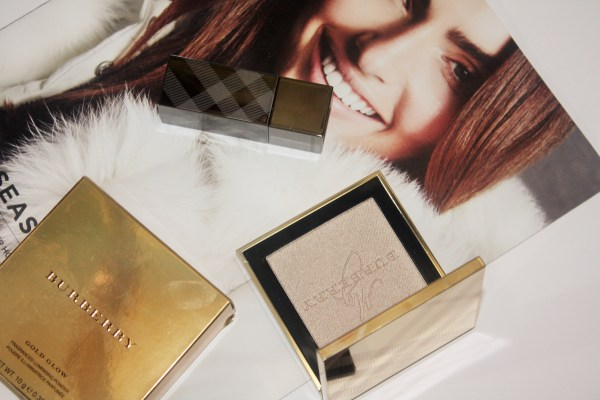 burberry_goldglowpowder-BURBERRY-Gold-Glow-Fragranced-Luminising-Powder001