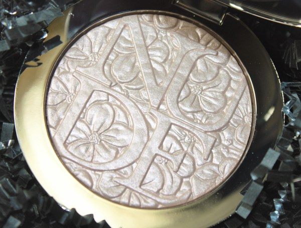 Dior Diorskin Nude Air Glowing Gardens Illuminating Powder in Glowing Pink Review003