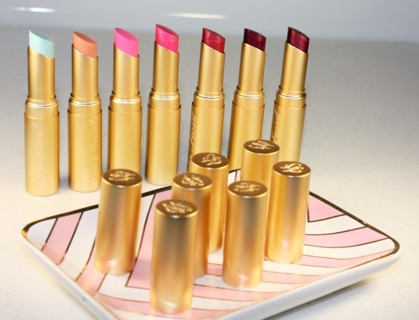 Too Faced La Crème Color Drenched Lipstick Review002