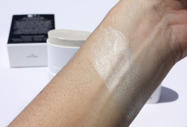 Marc Jacobs Beauty Glow Stick Glistening Illuminator-spotlight-highlighter-review-005