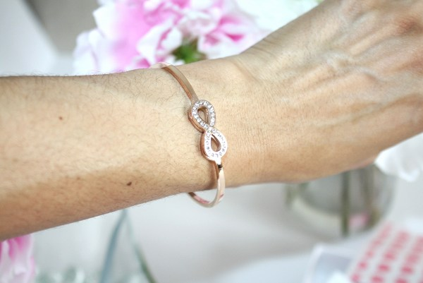 happiness-boutique-tied-together-infinity-bracelet-rose-gold-007