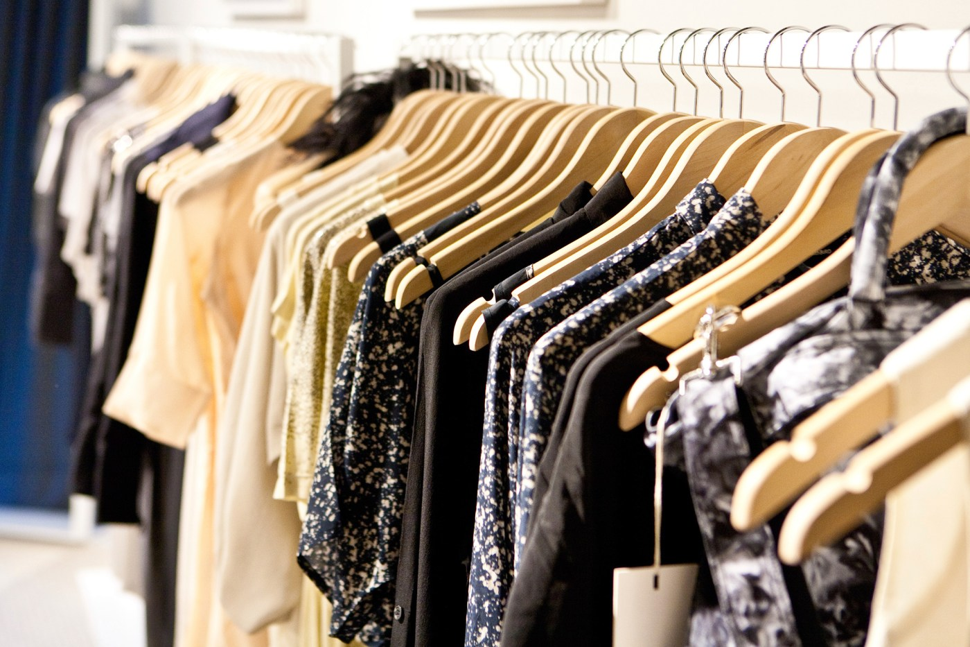 MASTER THE ART OF THE CAPSULE WARDROBE