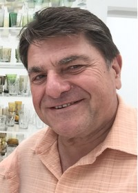 Victor Bujanow headshot